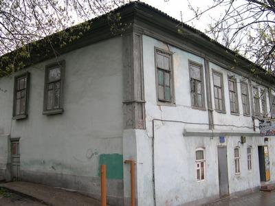 http://kavicom.ru/uploads/sub/1ae2aa10_Dom_na_Komsomolyskoi.JPG