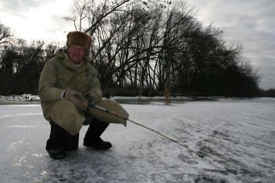 http://kavicom.ru/uploads/sub/2dc0e0c2_fishing_winter_photo.preview.jpg