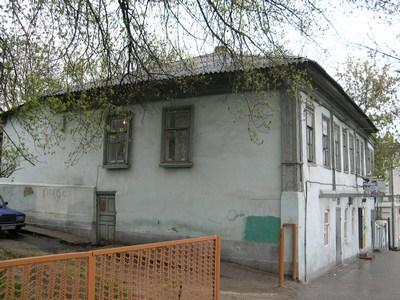 http://kavicom.ru/uploads/sub/3786a362_Dom_na_Komsomolyskoi_(2).JPG